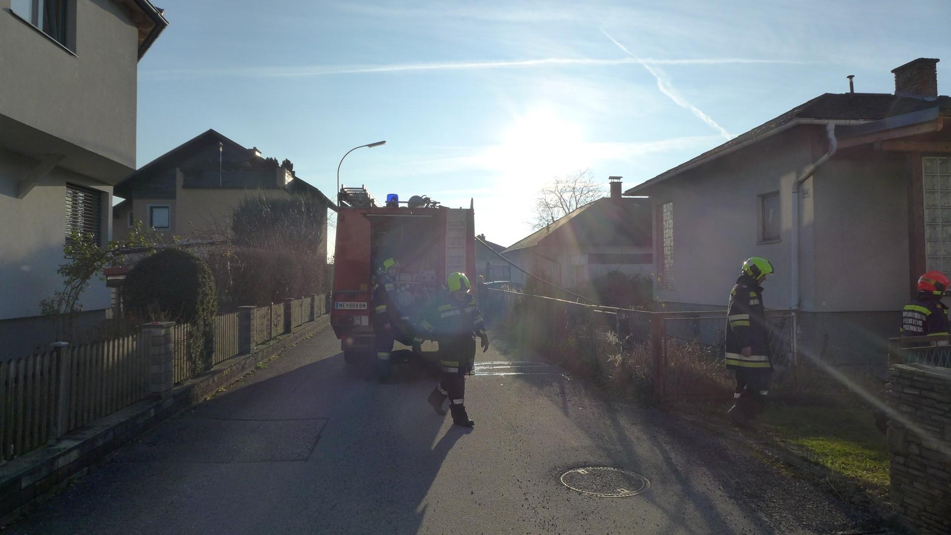 2017.12.25. Heckenbrand-Flurbrand Kinostraße (2)