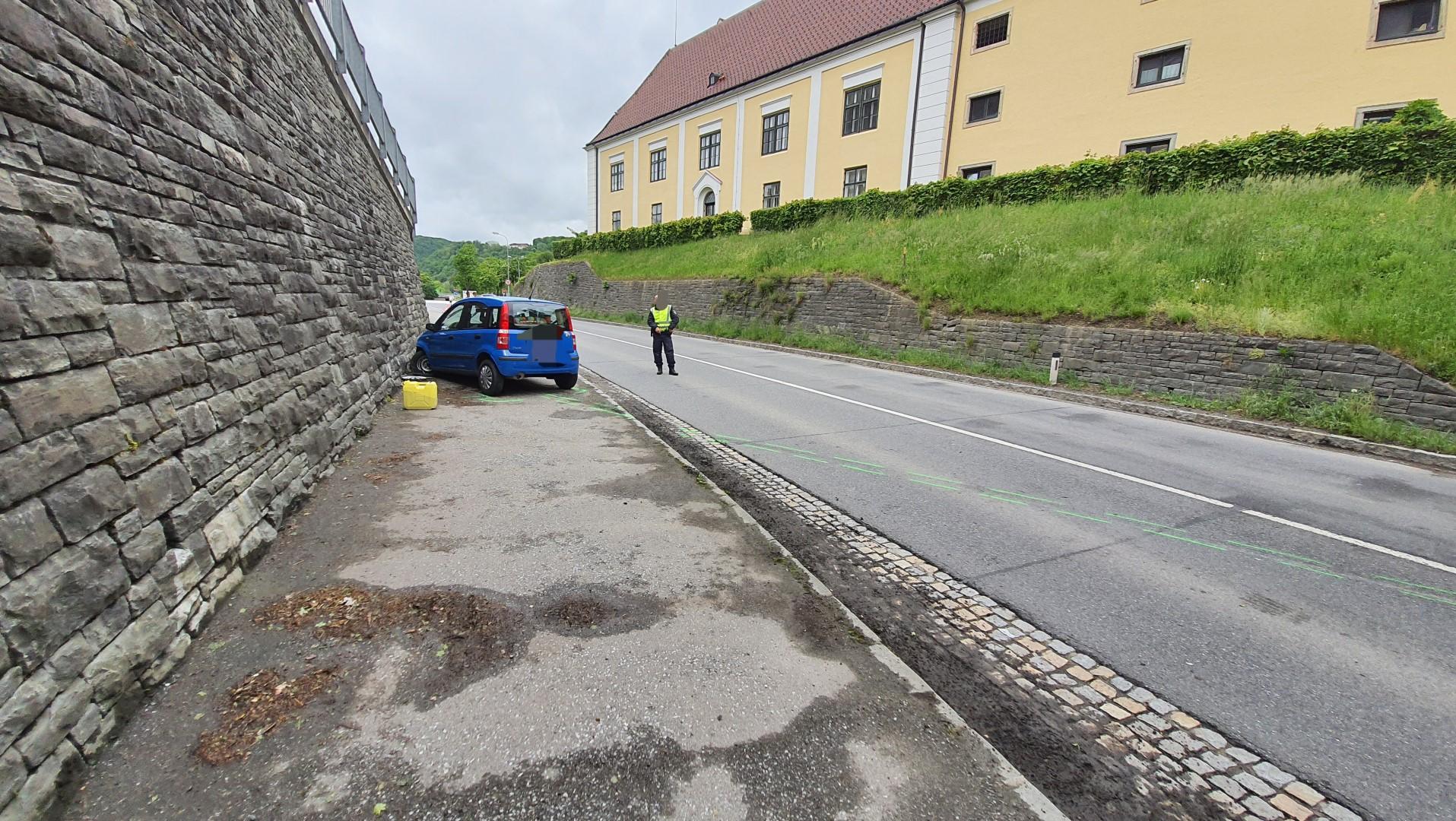 2021.05.17.-Fahrzeugbergung-auf-der-Landesstrasse-B3-4-Large
