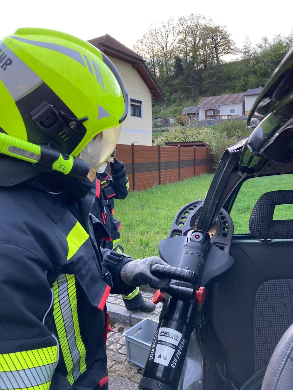 Gruppenuebungen-Hydraulischer-Rettungssatz-KW-18-11