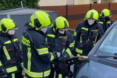 Gruppenuebungen-Hydraulischer-Rettungssatz-KW-18-12