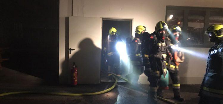 Atemschutzübung in der Hochwasserschutzhalle Hagsdorf