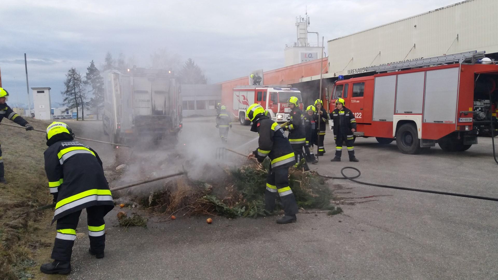 LKW Brand - Müllabfuhr in der Industriestraße